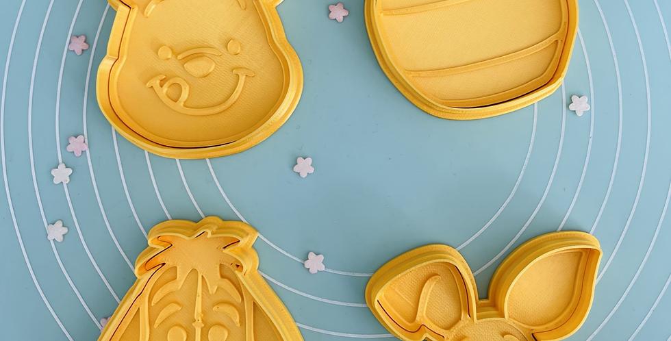 Set taglia biscotti and stamp Winnie the Pooh 4 pz