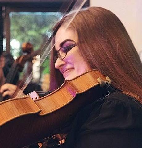 Elyse Dalabakis viola.jpg