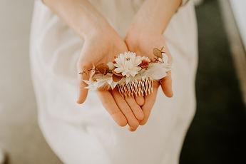 peigne mariée fleurs séchées.jpg