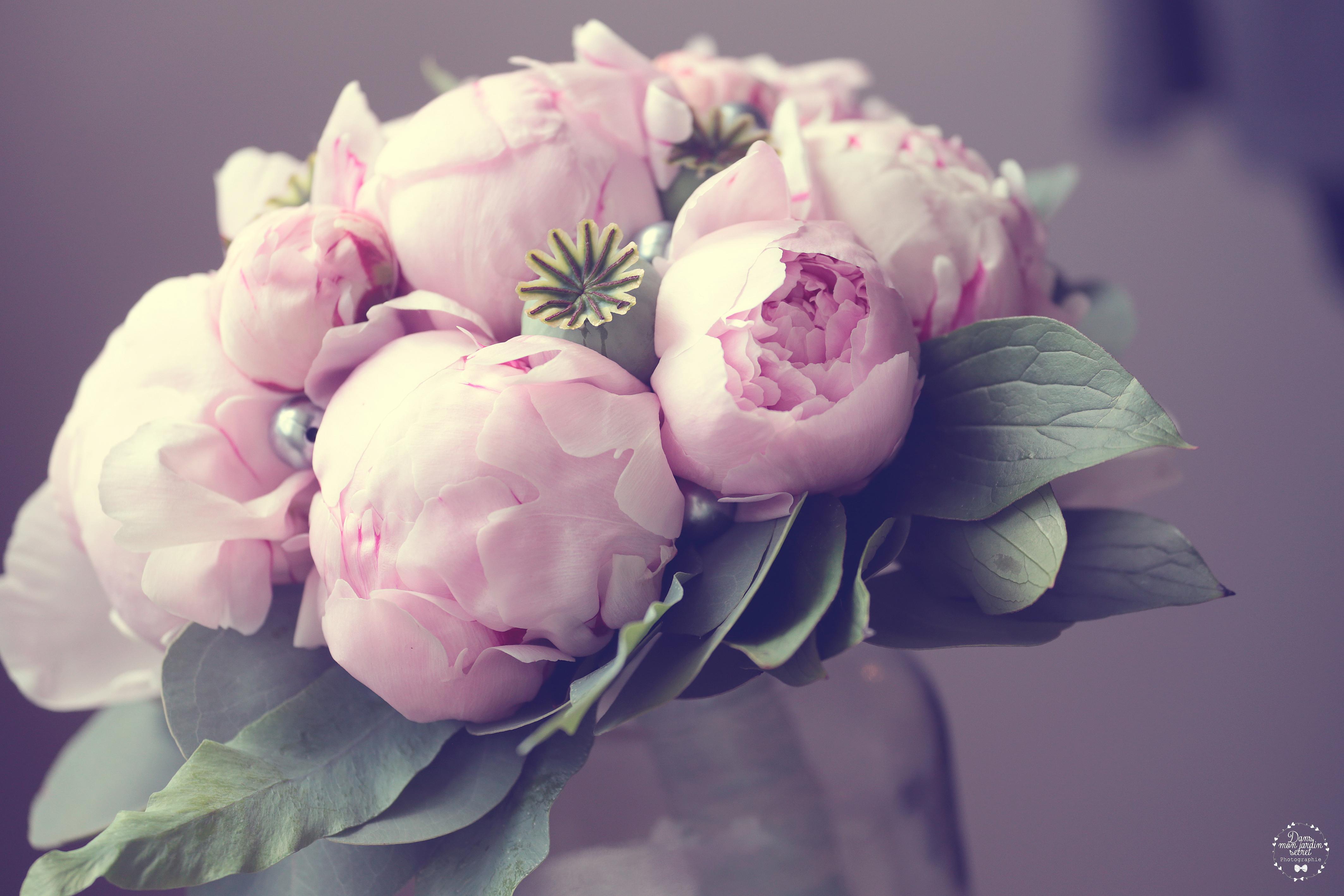 bouquet de marié pivoine