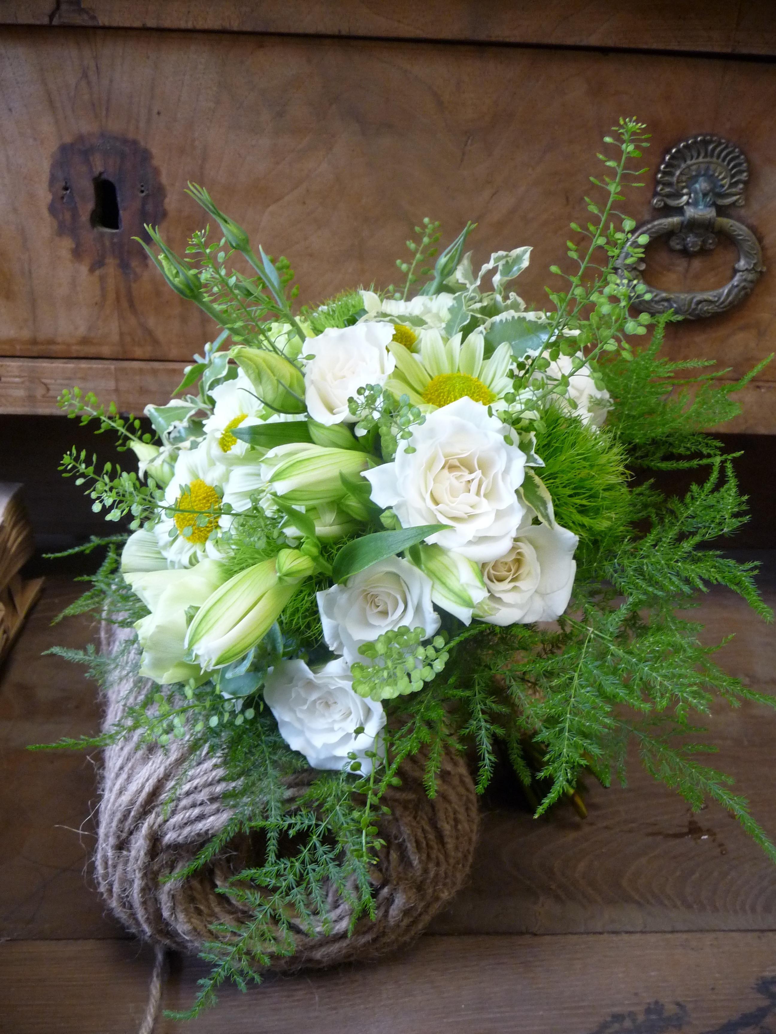 Nature white bridal bouquet