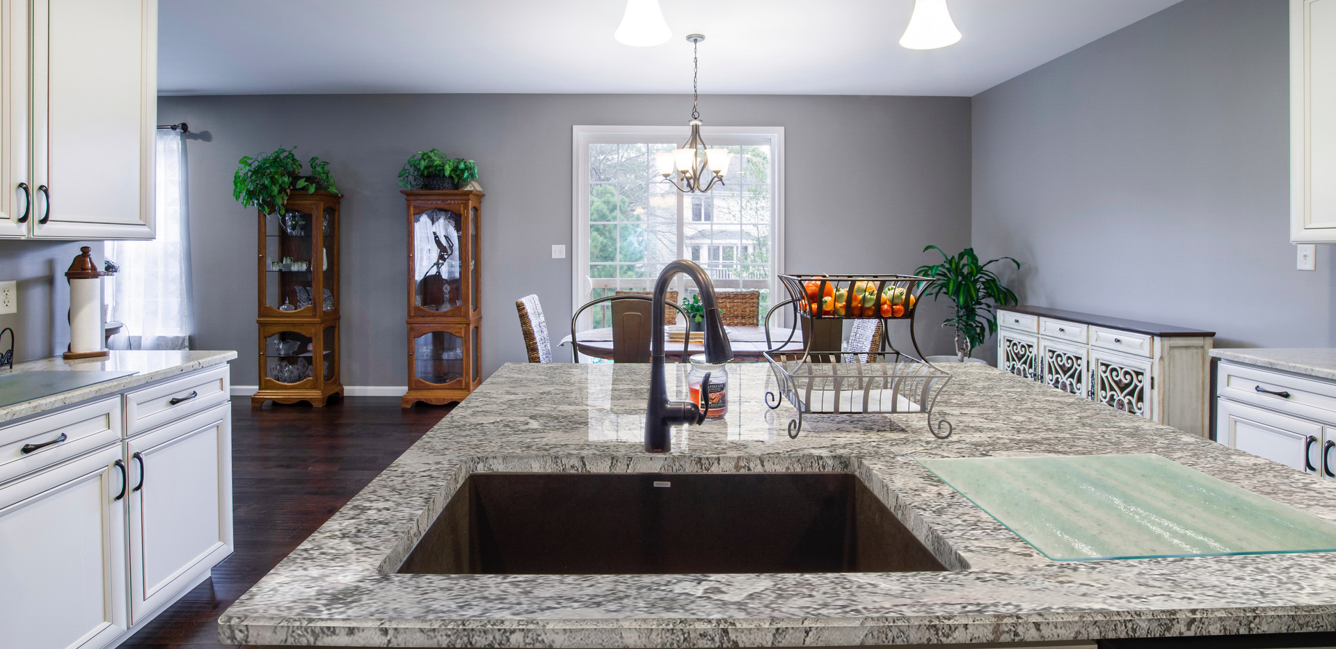 Magnific White Granite countertop