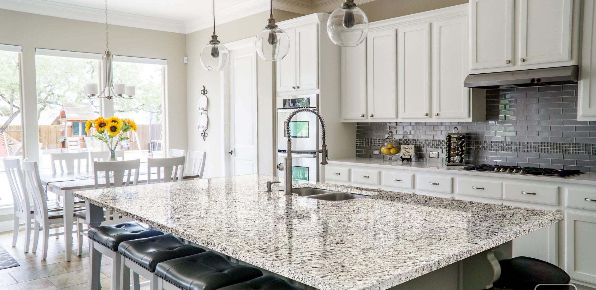 White Napoli Granite Kitchen Countertop