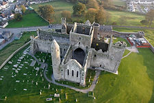 Irish historic and cultural activities organised for your retreat week. Castles, abbeys, traditional Irish pub sessions, loval villages, towns and people.