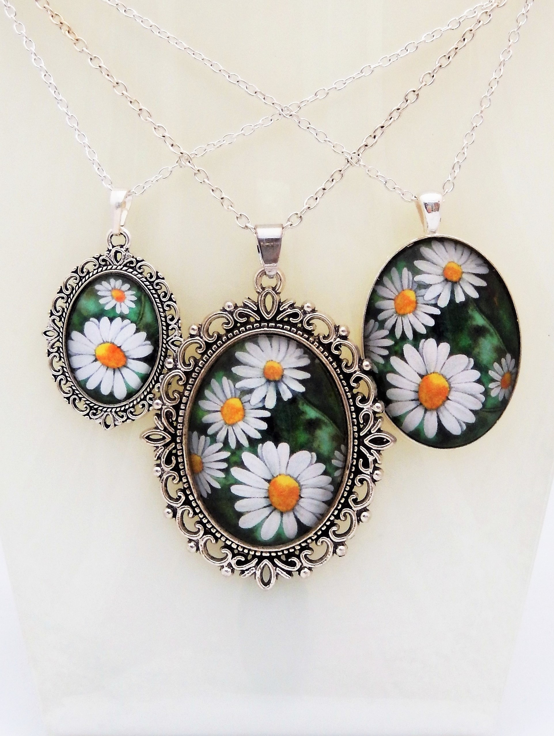 Vintage Daisy Pendant Collection