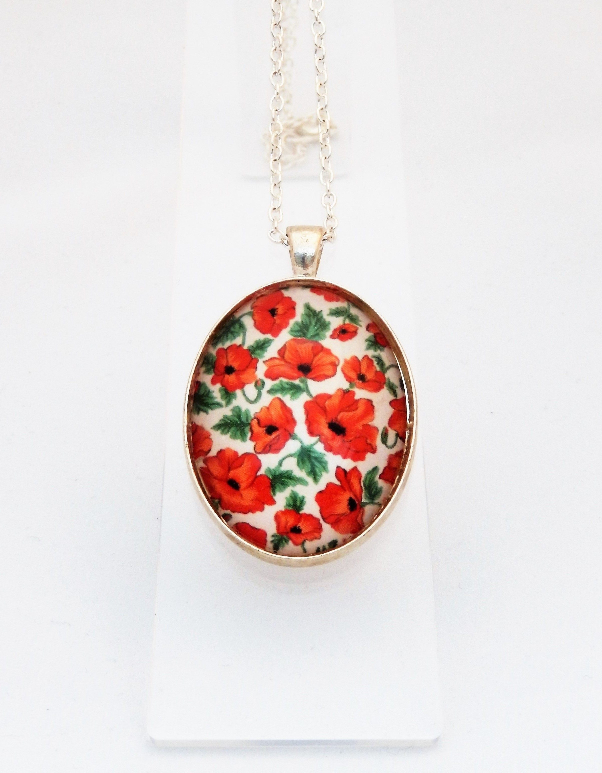 Poppy Delicate Pendant Necklace
