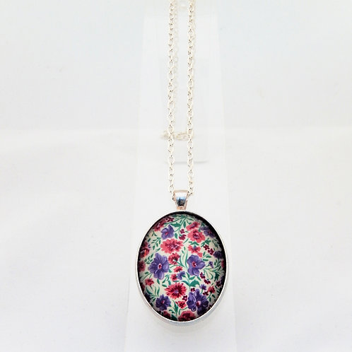 Sweetpea Delicate Necklace