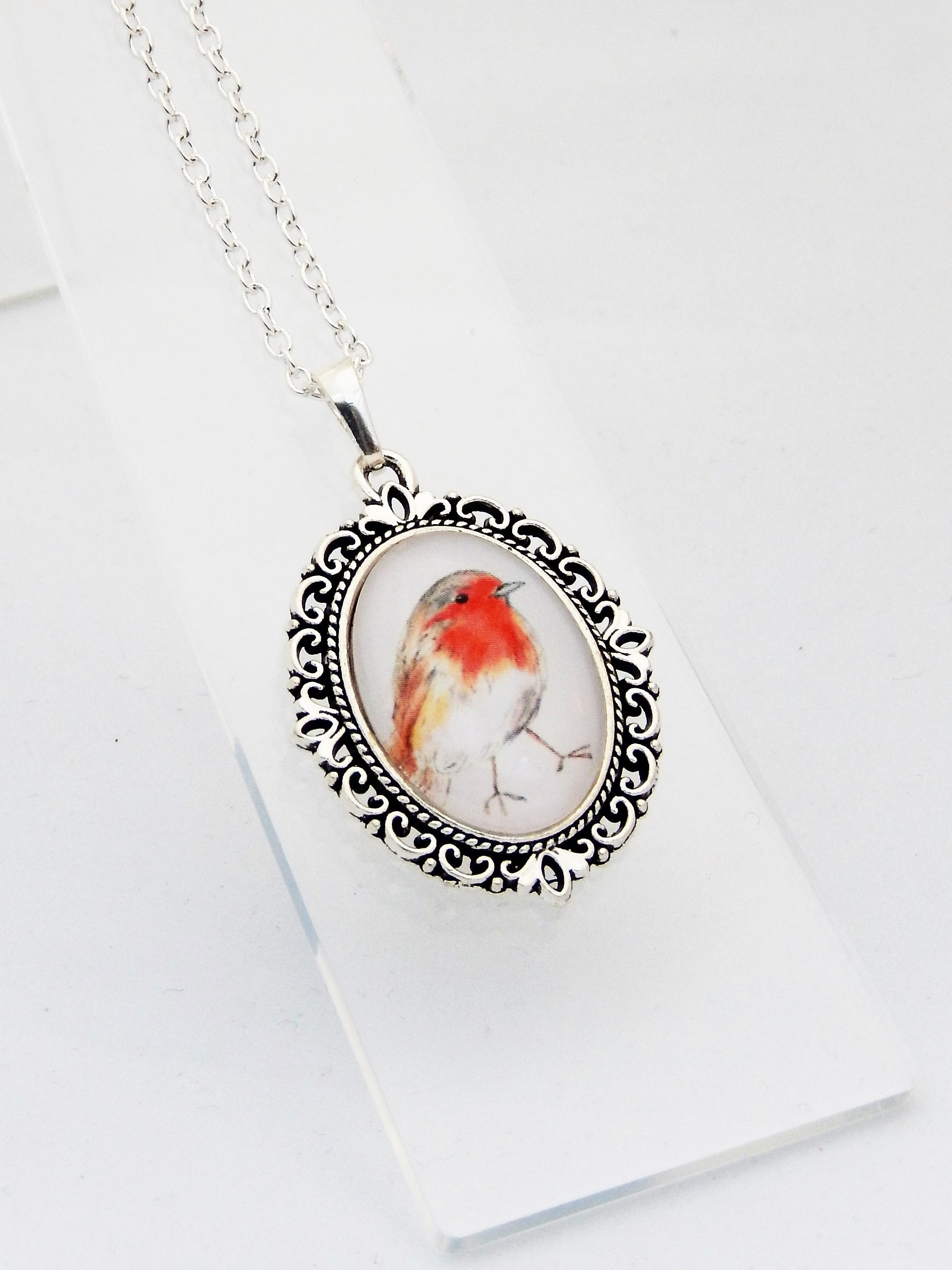 Robin Mini Ornate Pendant Necklace