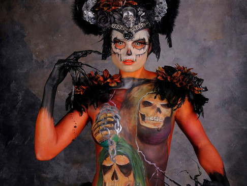 Bodypaint: Spooky scary skeleton