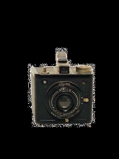 small-box-vintage-camera_no-background
