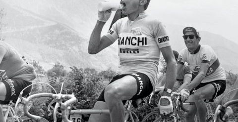 iconic-cycling-jerseys-04-1518565572.jpg