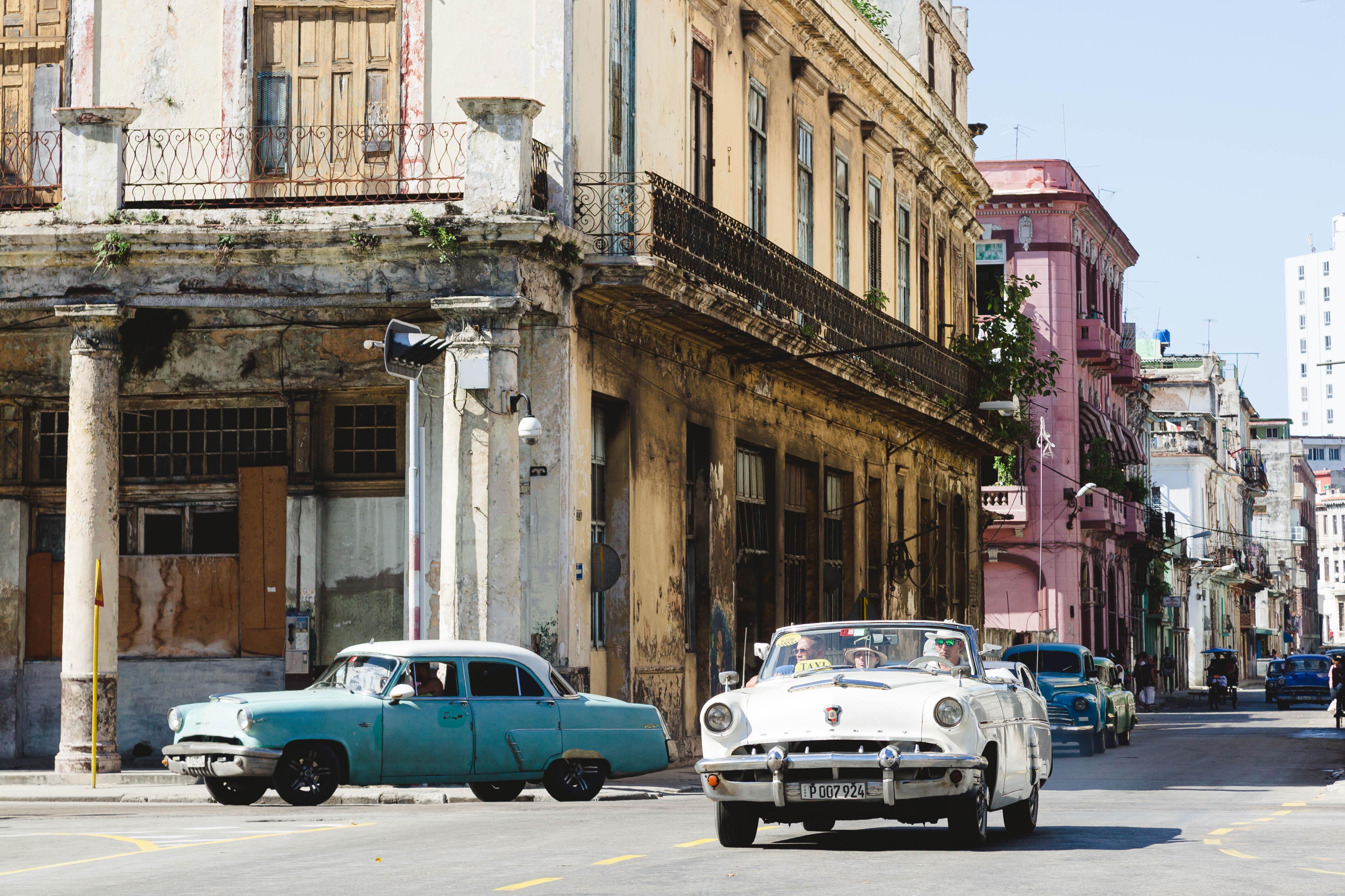 Cuba F-8