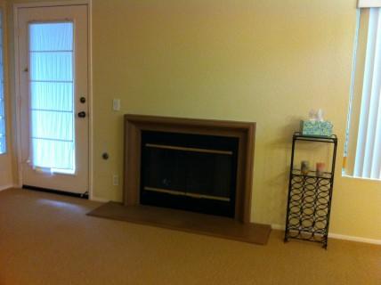 10_Fireplace.JPG