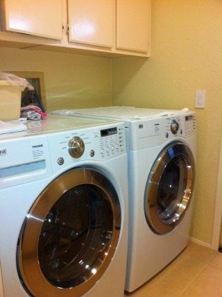 27_LaundryRoom.JPG