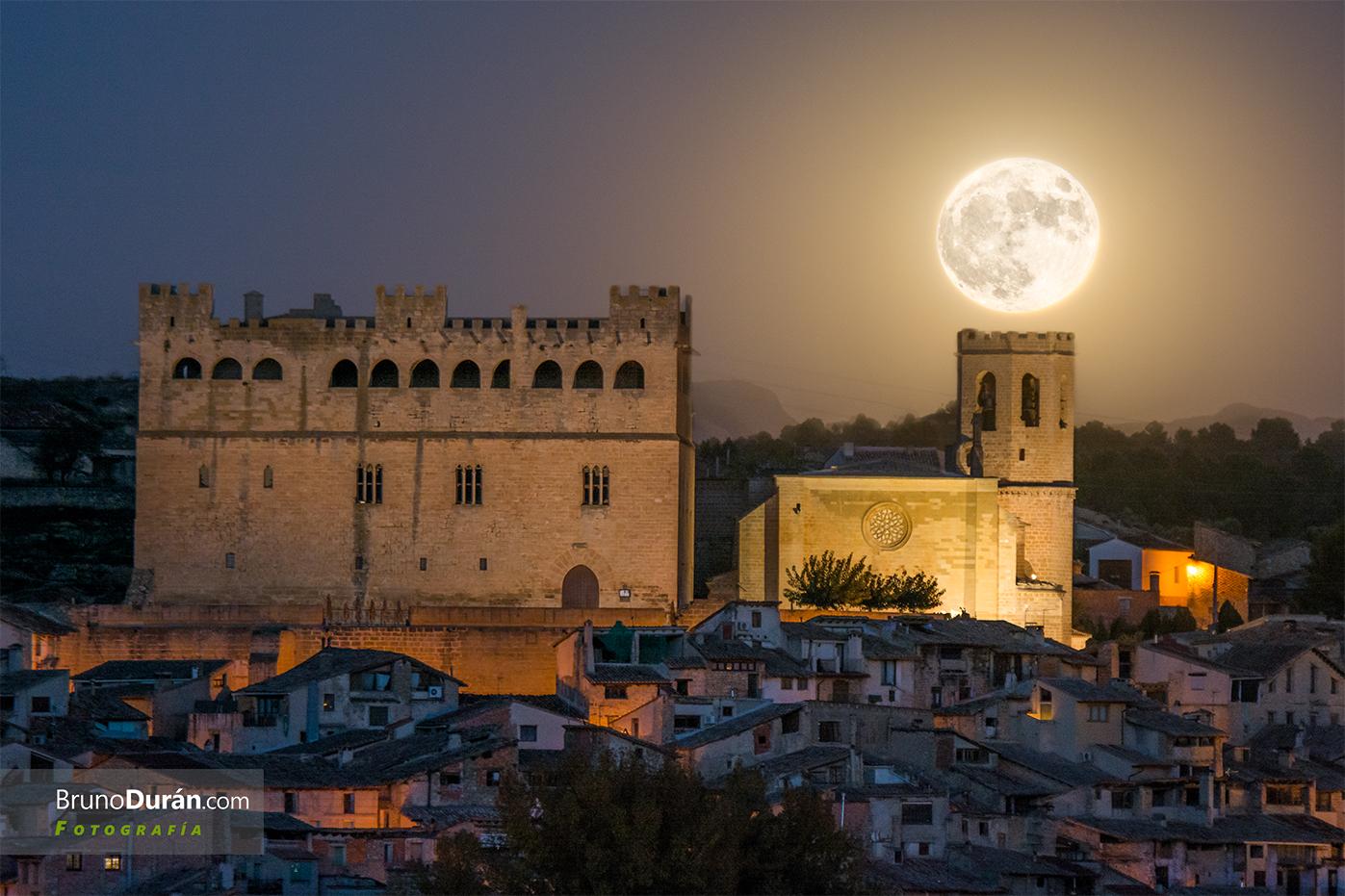 Superluna sobre Valderrobres