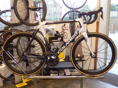 COLNAGO C 64, 6,9 kg, La perfection made in Italy.
