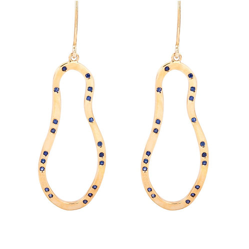 Cloud blue sapphires gold earrings