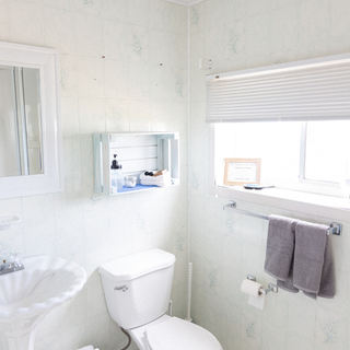 CRAB_Bathroom_07.jpg