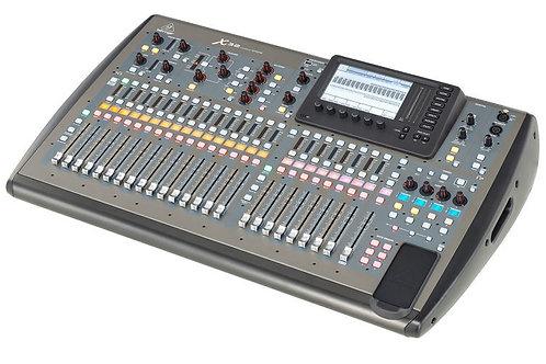 Console numérique BERHINGER X32