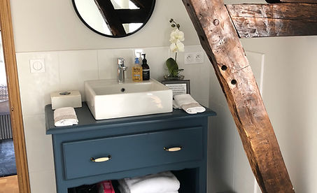 Image 5 GH Bathroom.JPG