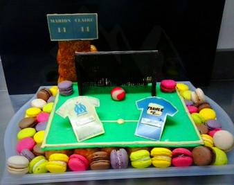 Terrain de foot en choux et macarons