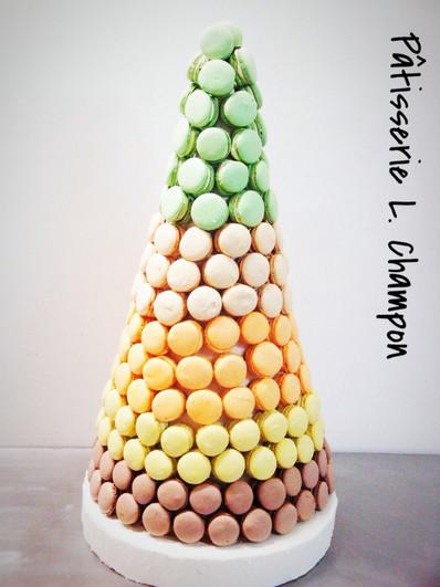 Cône en macarons N°3