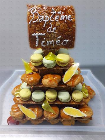 Pyramide macarons et choux