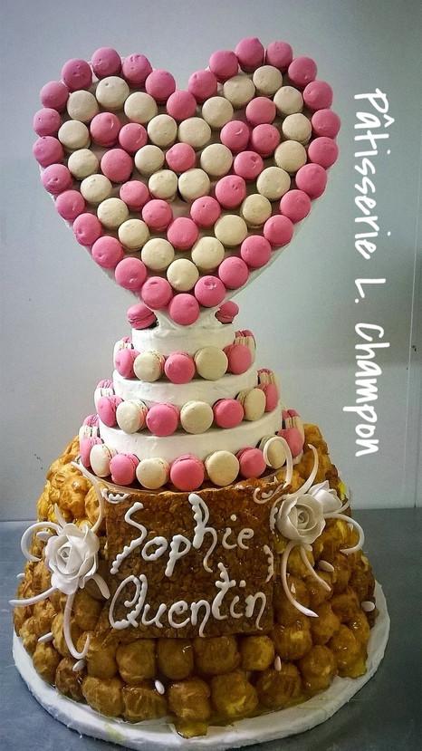 Pièce montée et coeur en macarons N°102