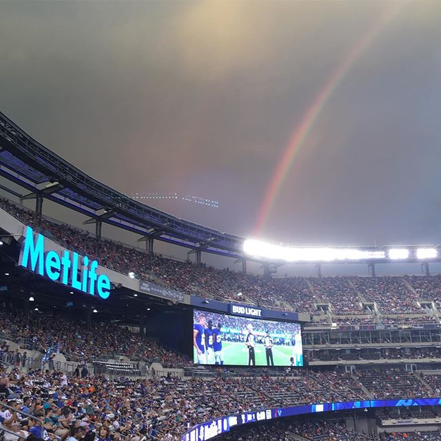 #tbt to last Friday night A rainbow over #Giants #stadium as the G-men are s en winning the coin tos