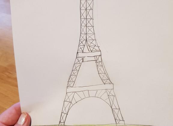 Elsa Tour Eiffel.jpg