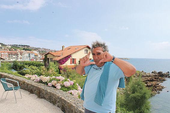 Fausto Arias, con un pose muy cinematográfico, en Samarincha. (V. BARBERO)