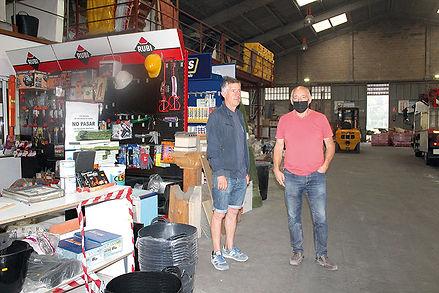 Donato y José Luis González, en uno de sus últimos días de trabajo en «Pepe Fausta». (L. V.)