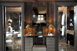salle de bain vieux bois