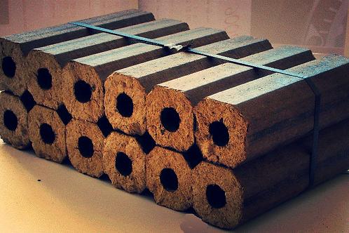 bûches calorifiques de bois compressé