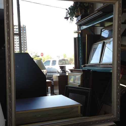 New & Used Furniture- Wall Décor- Mirror