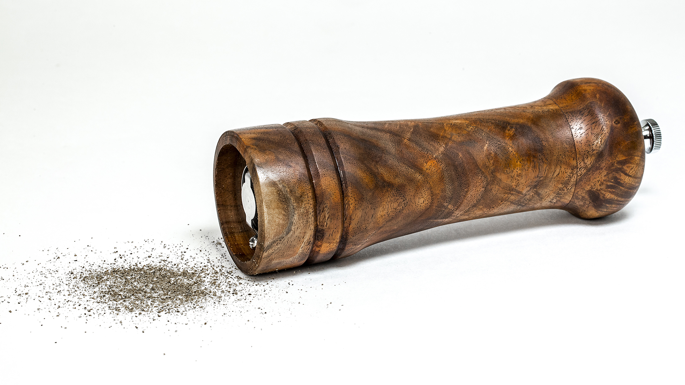 Walnut Pepper Grinder
