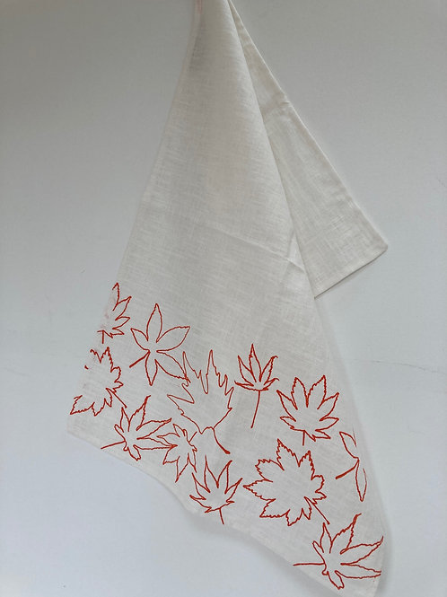 Linen towel with Leaf Design