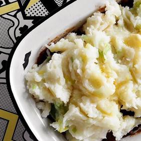 Lentil & mushroom colcannon pot pie