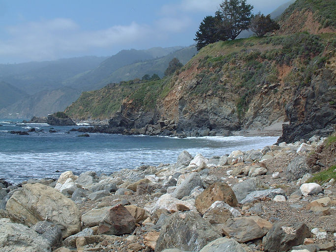 beautiful beach and green rolling hills at Big Sur 2006.JPG