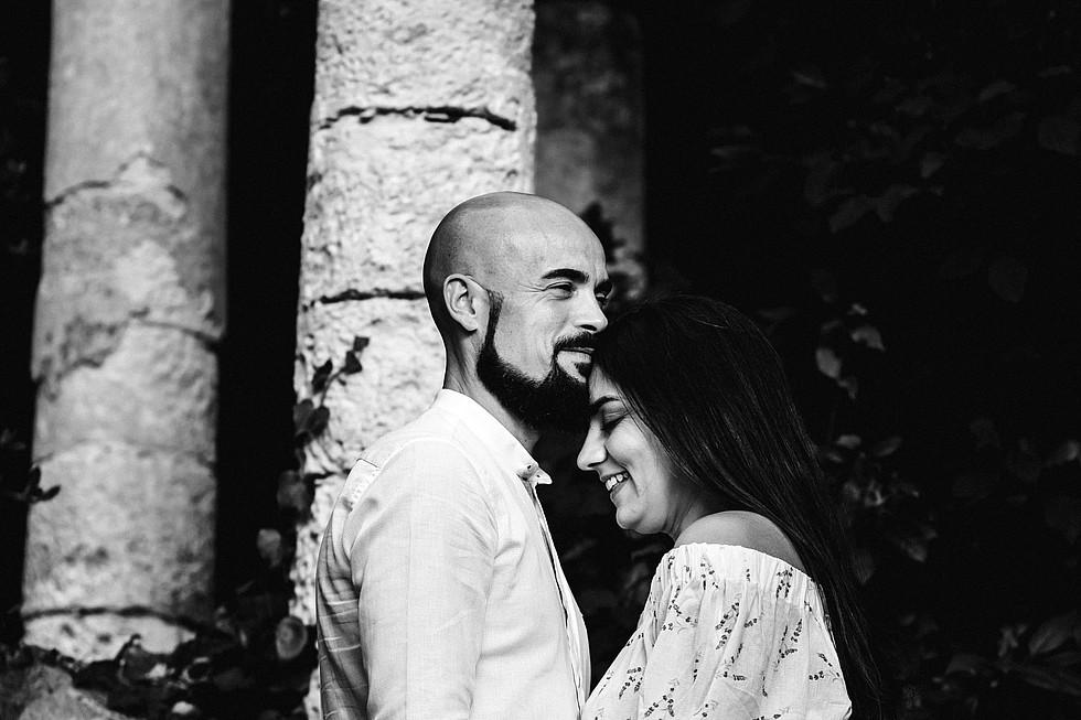 Foto di coppia in Sardegna _ Prematrimoniale romantico nel verde_20.jpg