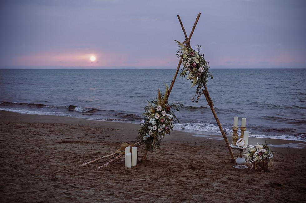 intimate wedding Sardinia on the sea