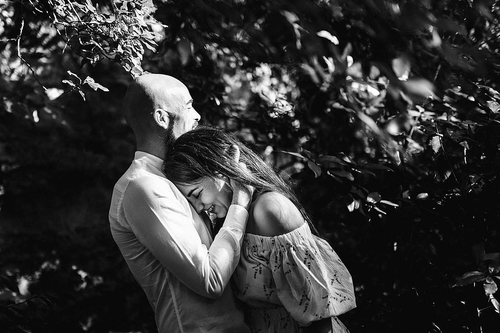 Foto di coppia in Sardegna _ Prematrimoniale romantico nel verde_18.jpg