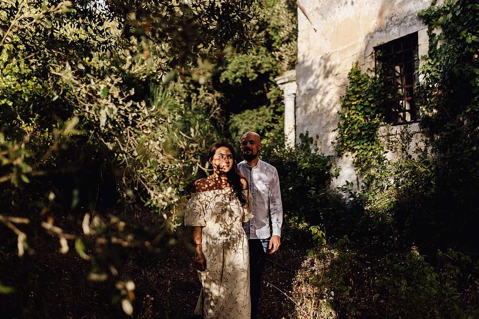 Foto di coppia in Sardegna _ Prematrimoniale romantico nel verde_33.jpg