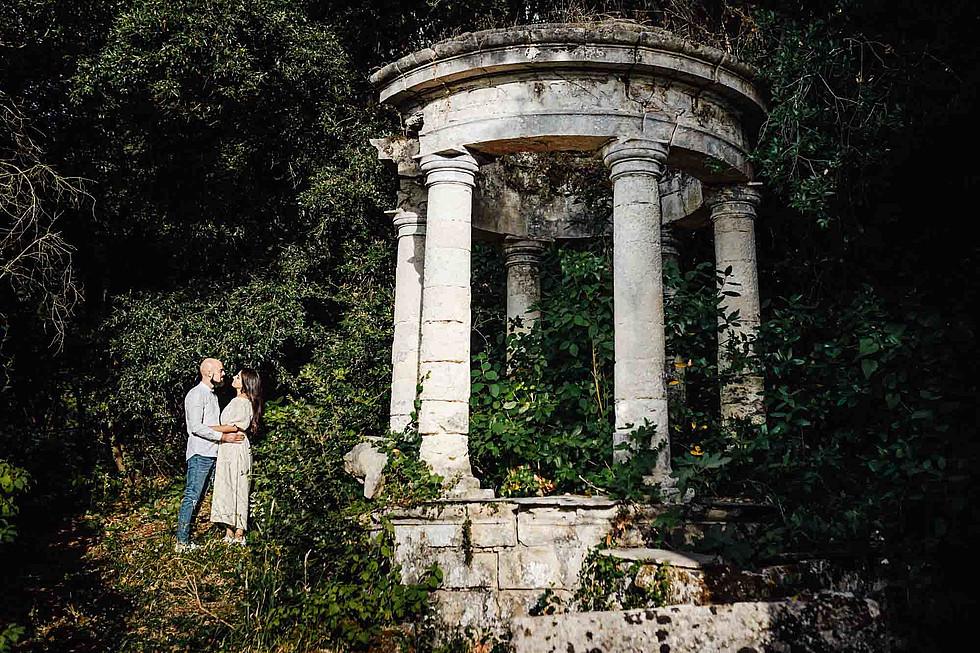 Foto di coppia in Sardegna _ Prematrimoniale romantico nel verde_01.jpg
