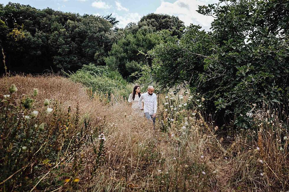 Foto di coppia in Sardegna _ Prematrimoniale romantico nel verde_03.jpg