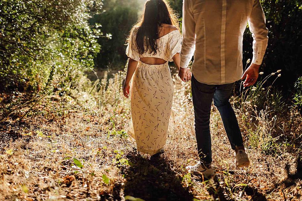 Foto di coppia in Sardegna _ Prematrimoniale romantico nel verde_37.jpg