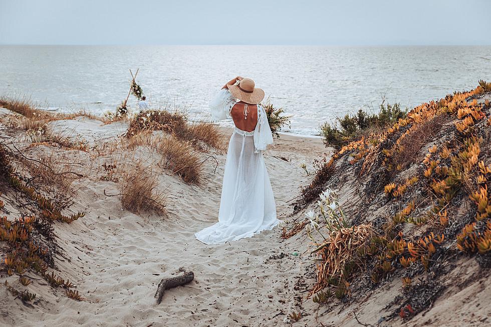 matrimonio intimo in spiaggia boho chic