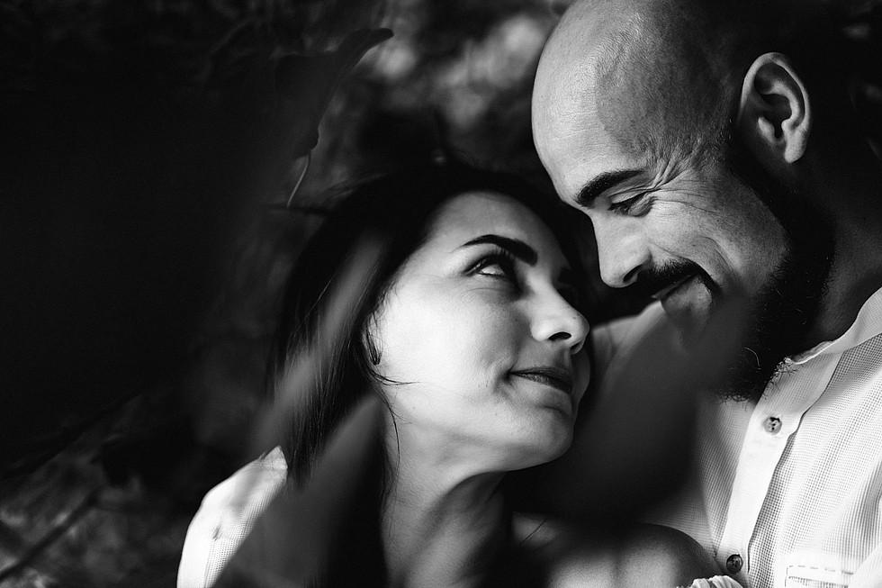 Foto di coppia in Sardegna _ Prematrimoniale romantico nel verde_19.jpg