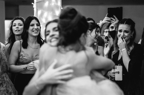 wedding real moments