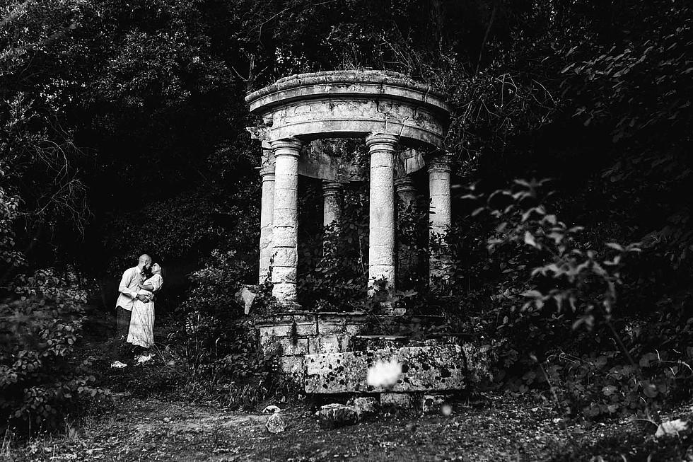 Foto di coppia in Sardegna _ Prematrimoniale romantico nel verde_17.jpg